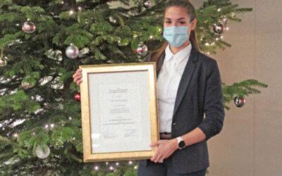 Jahrgangsbestenpreis der Heilbronner Wirtschaftsjunioren an Joanna Maldonado von der DHBW Heilbronn verliehen