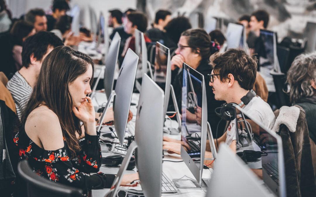 Porsche fördert Coding-Nachwuchs: Stipendien für Programmierschulen 42