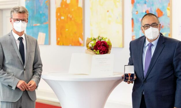 Prof. Helmut Krcmar Receives Federal Cross of Merit