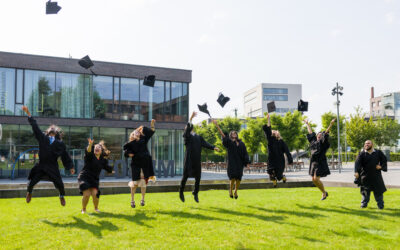 Erste Absolventen verlassen die TUM in Heilbronn mit einem Masterabschluss