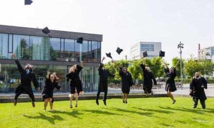 First Graduates Leave TUM in Heilbronn with a Master's Degree